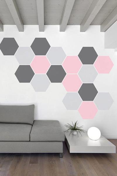 客厅纯白墙面玩手绘