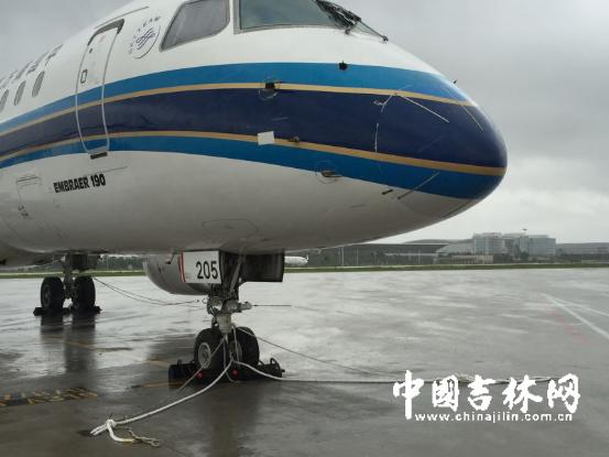 """受台风""""妮妲""""影响 南航3趟往返长春-广州航班被取消"""