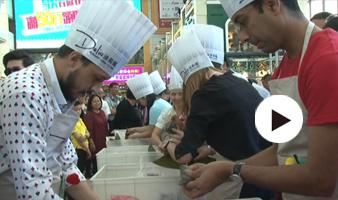 粽情端午 和外国人一起比赛包粽子