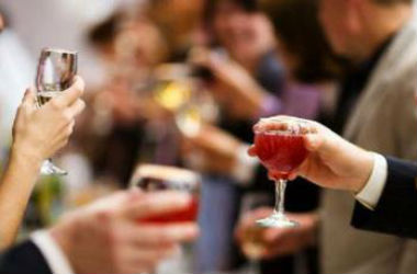 春节到 聚会多 那些解酒小妙招究竟靠不靠谱?