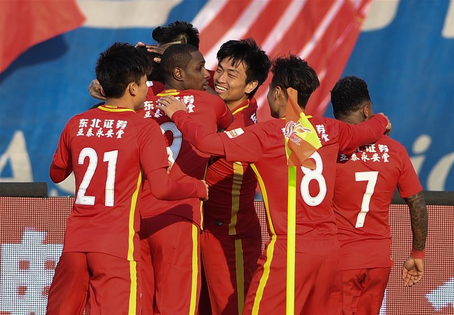 (体育)(1)足球——中超:长春亚泰胜河南建业