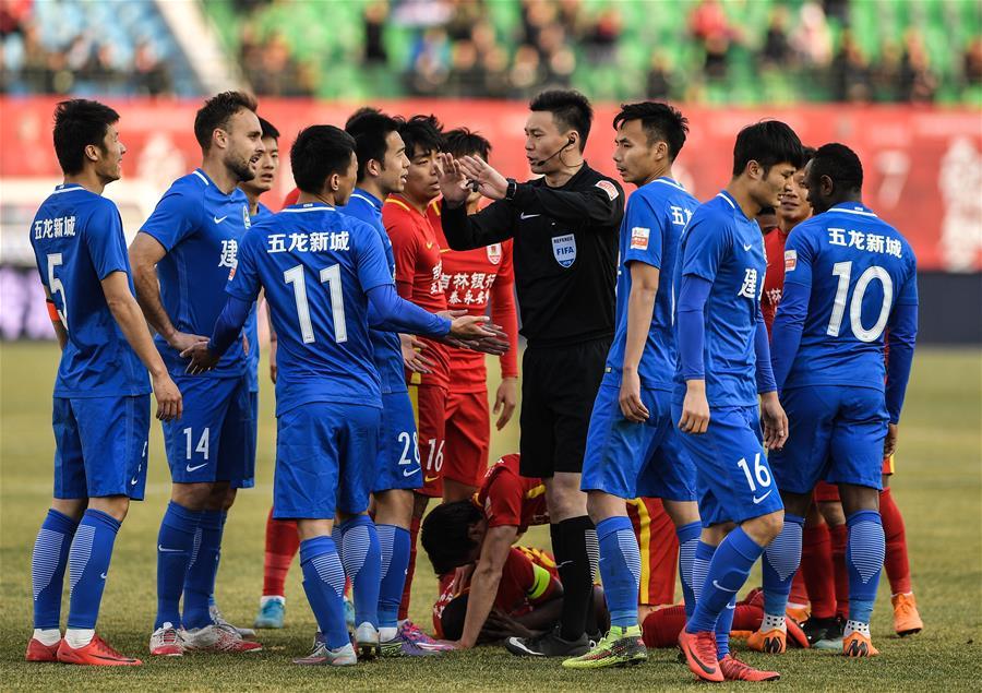 (体育)(7)足球——中超:长春亚泰胜河南建业