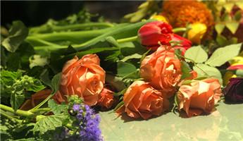 小仙女们,快来分享你们的花艺作品吧~