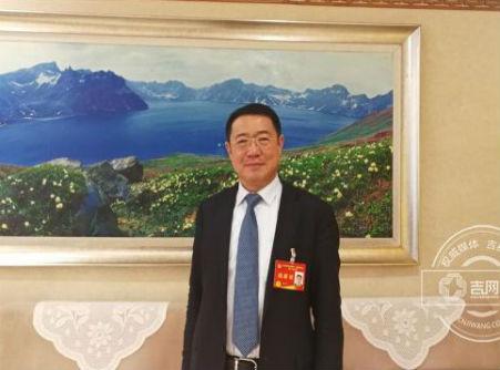孙进委员:希望能给职业教育更大办学自主权