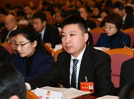 省政协委员周景超:建议大力发展数字媒体经济 培育新时代好网民
