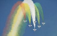 歼-20、运-20展翅澳门博彩在线娱乐 演示高难度动作