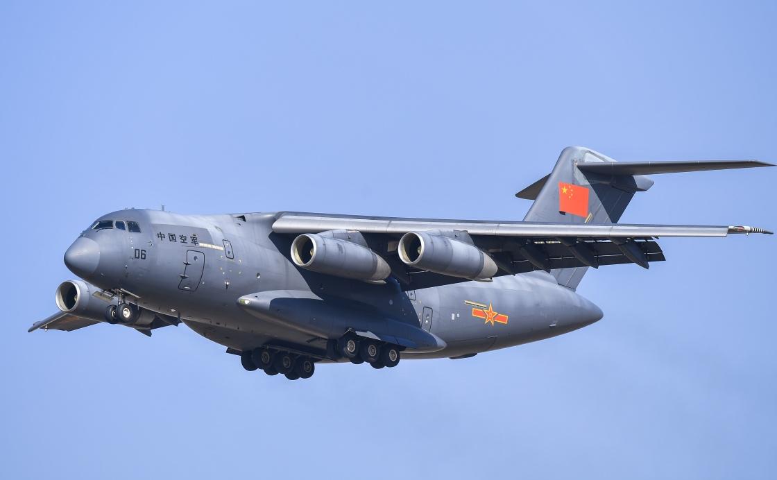 运-20在活动上进行飞行展示