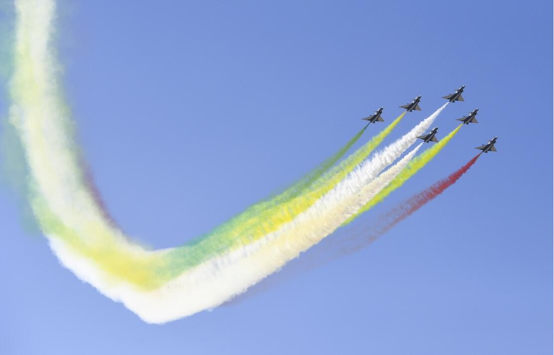 空军以全盛阵容展翅澳门博彩在线娱乐庆祝成立70...