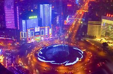 """澳门博彩在线娱乐有个""""灯光秀广场"""" 航拍镜头看最美激光灯绚烂夜空"""
