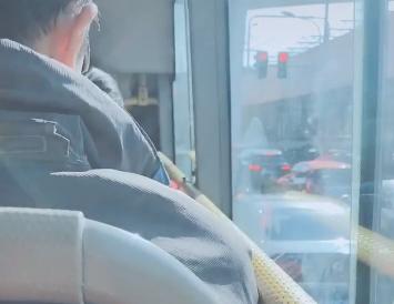 #上班 公交车上有座位 太 happy