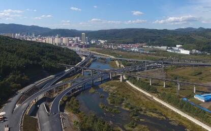 集安至通化高速公路全面复工 年内实现...