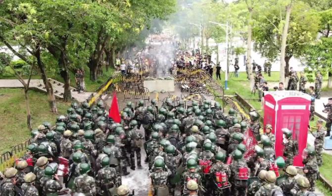 武警演练 保卫香港