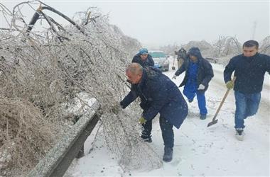 长春公交集团巴士公司二车队积极应对大雪恶劣天气全力保障市民出行安全