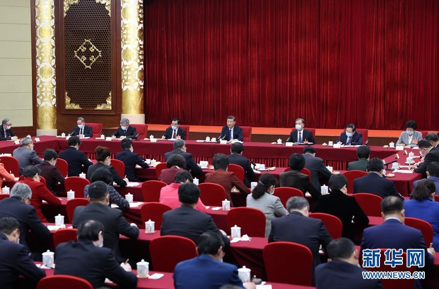 (两会受权发布)习近平看望参加政协会议的...